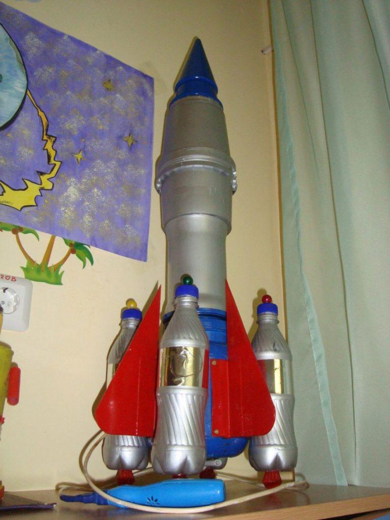 это фото поделок ракеты прочитать такое обращение
