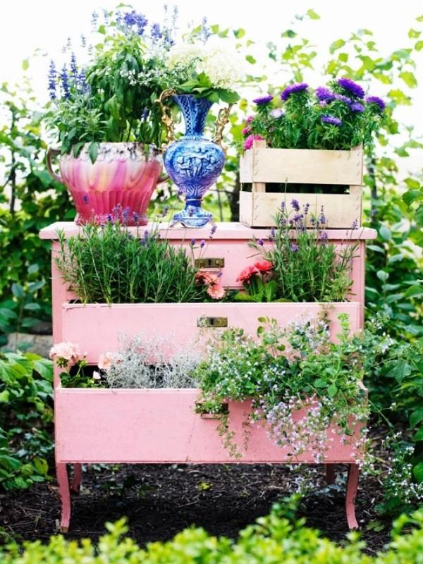 Поделки из шин: красивое украшение и оформление дизайна сада при помощи покрышек