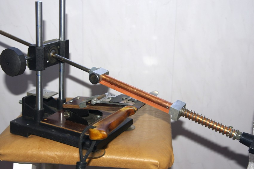 Как врезать в трубу кран без сварки